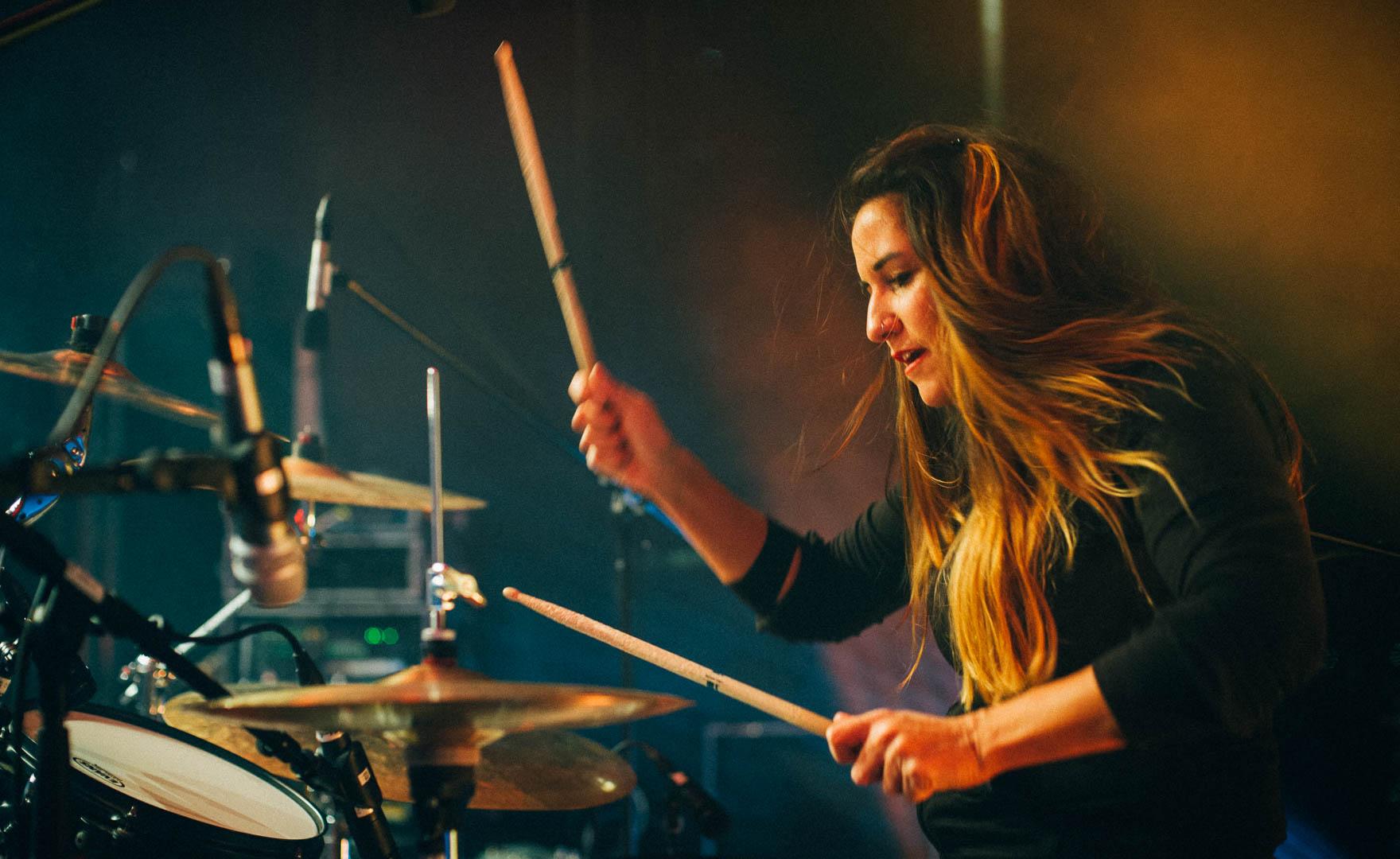 Female Drummer Live Fotograf Tobi Bohn Berlin