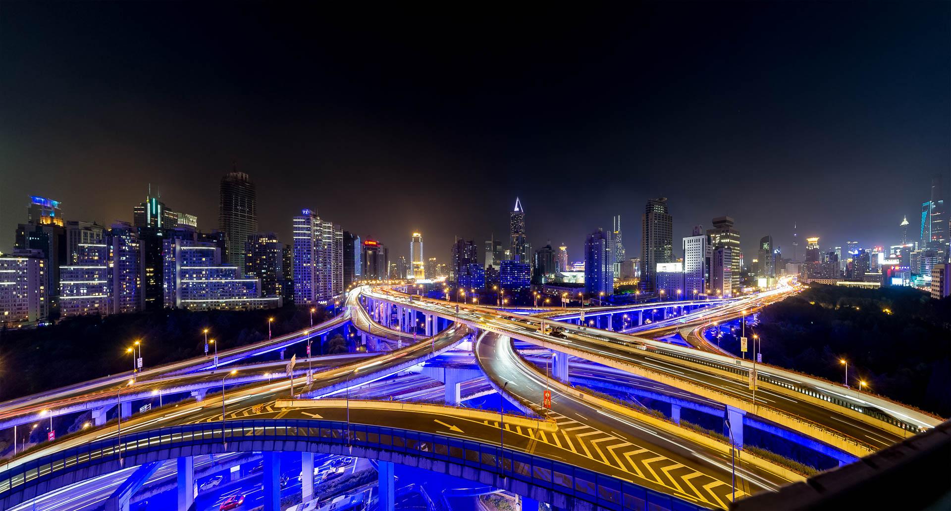 Shanghai Kreuzung bei Nacht Tobi Bohn Panorama 360 Fotograf