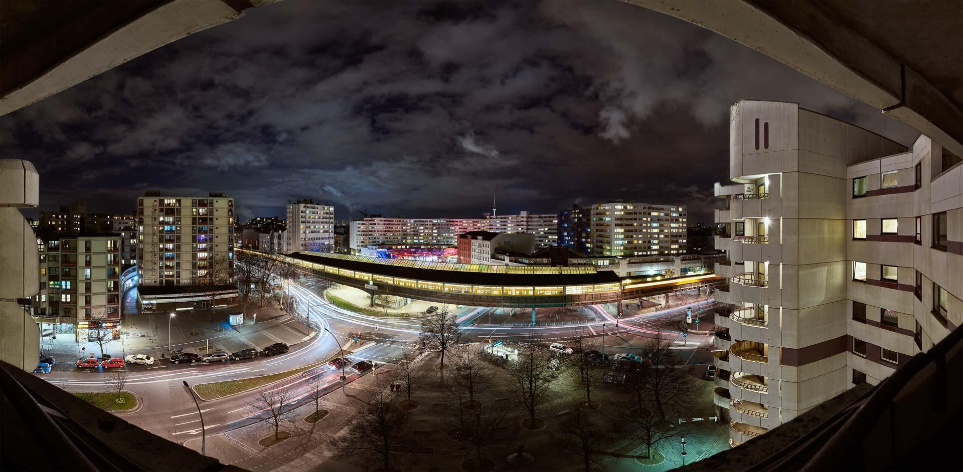 Kotti Kottbusser Tor Berlin bei Nacht – 360° Foto